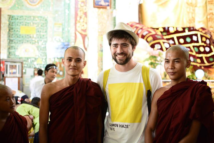 birmanie, voyage, photo, mandalay, temple, portrait, moine