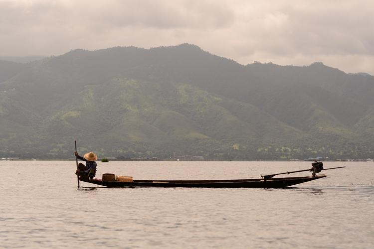 birmanie, voyage, photo, lac inle, lac, pêcheur, portrait