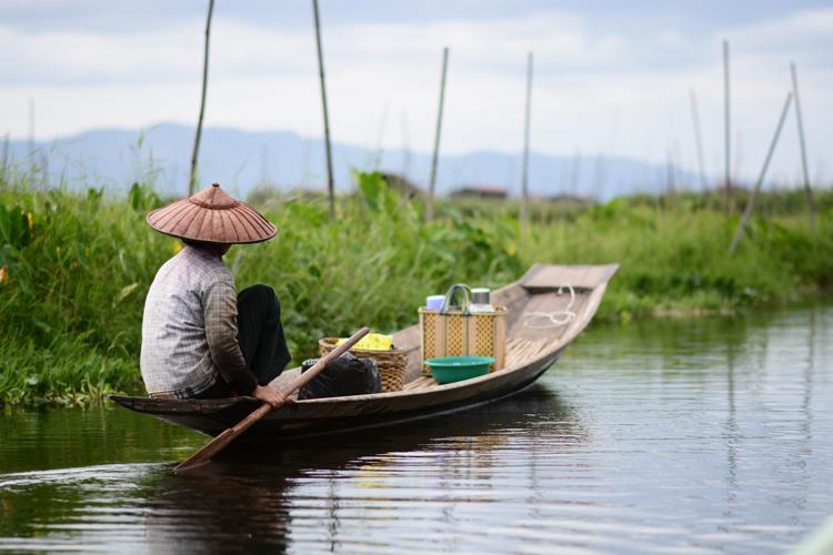 birmanie, voyage, photo, lac inle, lac, pêcheur, portrait, tomate, marché