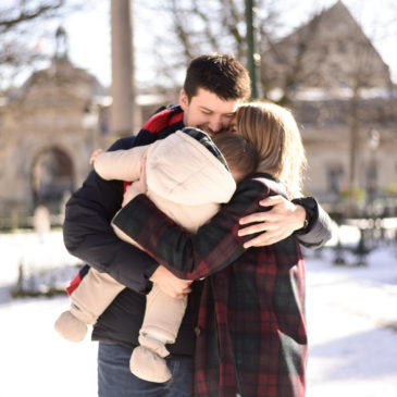 En famille – Sous la neige à Paris